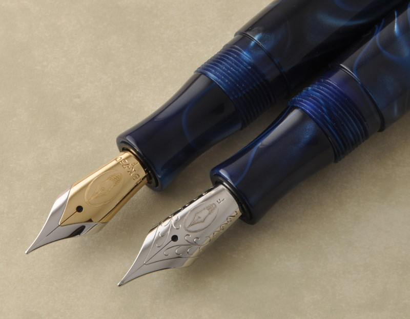 Edison Collier with gold and steel nibs