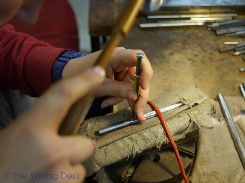 hand engraving victorian pattern on yard-o-led silver pen barrel