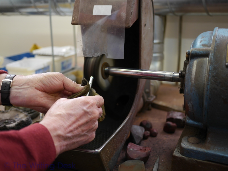 polishing yard-o-led silver pen